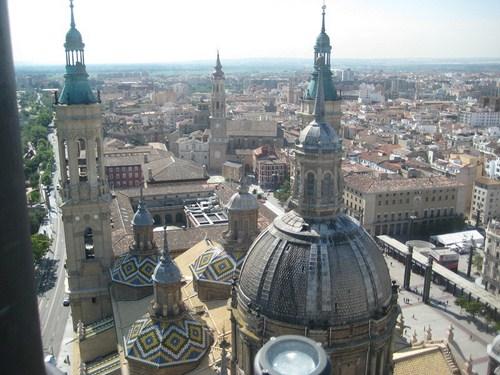 vista aérea de Zaragoza desde una de las torres de la basílica del Pilar