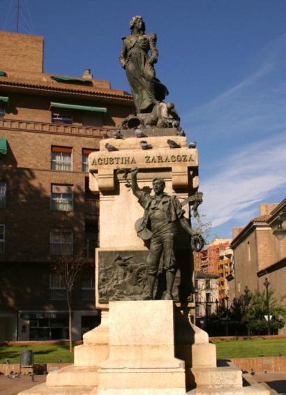 la historia que se hacia atrás del Monumento de Agustina de Aragón