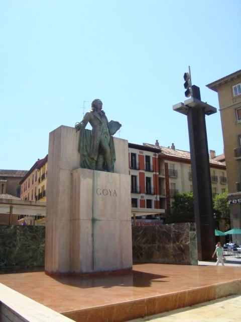 visitar al monumento a Goya en Zaragoza