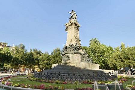 eventos e historia en la Plaza de los Sitios en Zaragoza